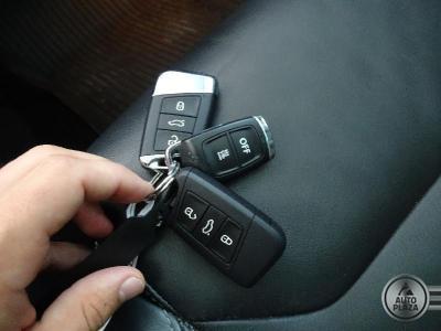 http://www.autoplaza.sk/images/stories/expautos/images/big/10_1625214583.jpeg